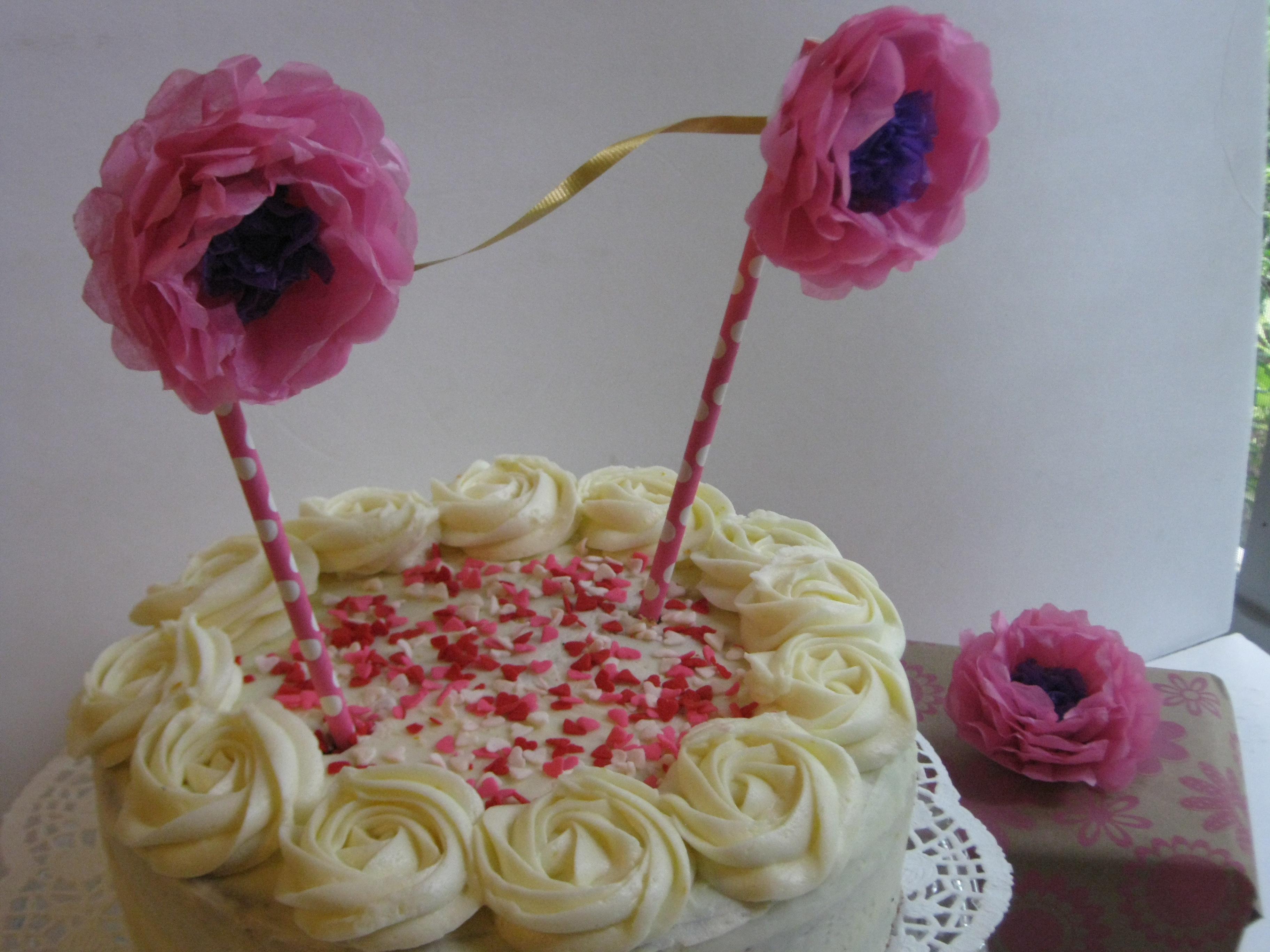 Cake Topper That Turns Into A Flower